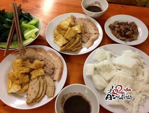 bun-dau-1 4 quán bún đậu mắm tôm ngon nhất Sài Gòn