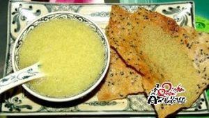 che-300x170 Ăn chè bằng bánh tráng nướng, một món ăn của người Huế