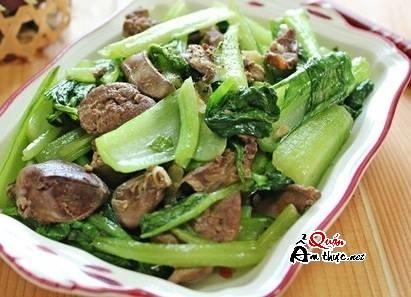 Cung cấp nhiều vi chất với món gan gà xào cải ngọt