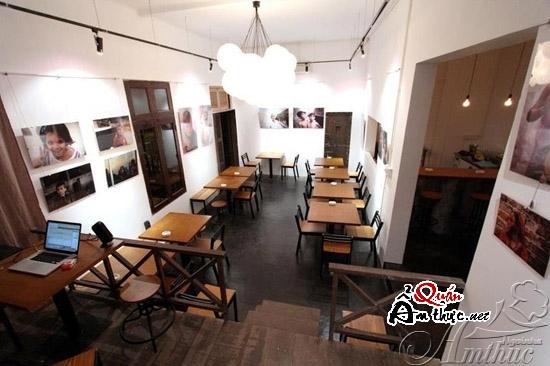 Cafe Decibel Lounge - Nét cổ điển phương Tây huyền bí