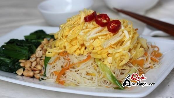 bun-gao-xao Bữa sáng hấp dẫn cùng bún gạo xào trứng