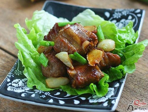cach-lam-suon-chien-nuoc-mam Sườn chiên nước mắm, món ngon đậm đà đầy mê hoặc