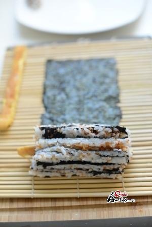 cách làm sushi tại nhà đơn giản 5