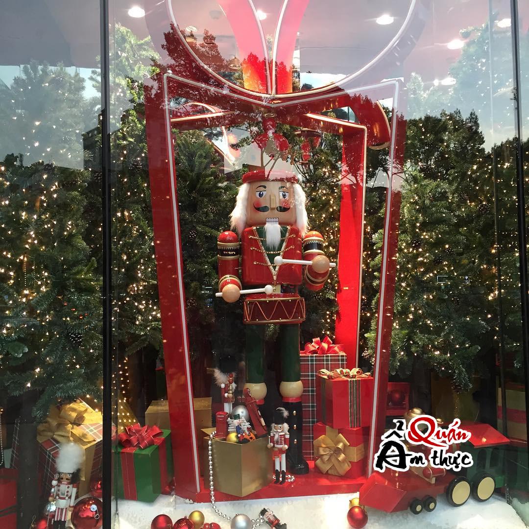 4 nơi chụp hình Noel đẹp ở Sài Gòn