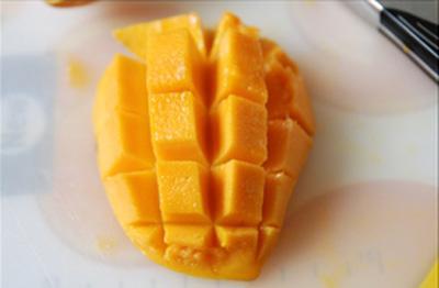 cach-lam-sua-chua-xoai Cách làm sữa chua xoài thơm ngọt