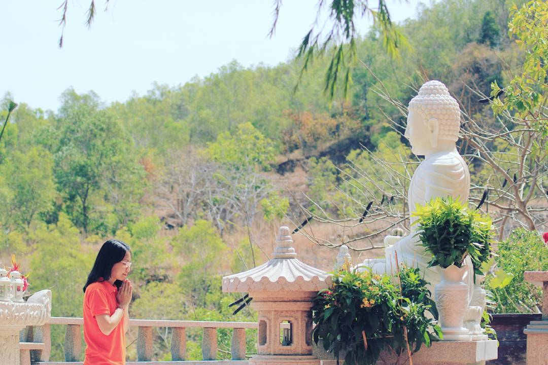 phat-hien-ngoi-chua-tren-doi-view-bien-vung-tau-tuyet-dep-it-nguoi-biet-den-7997