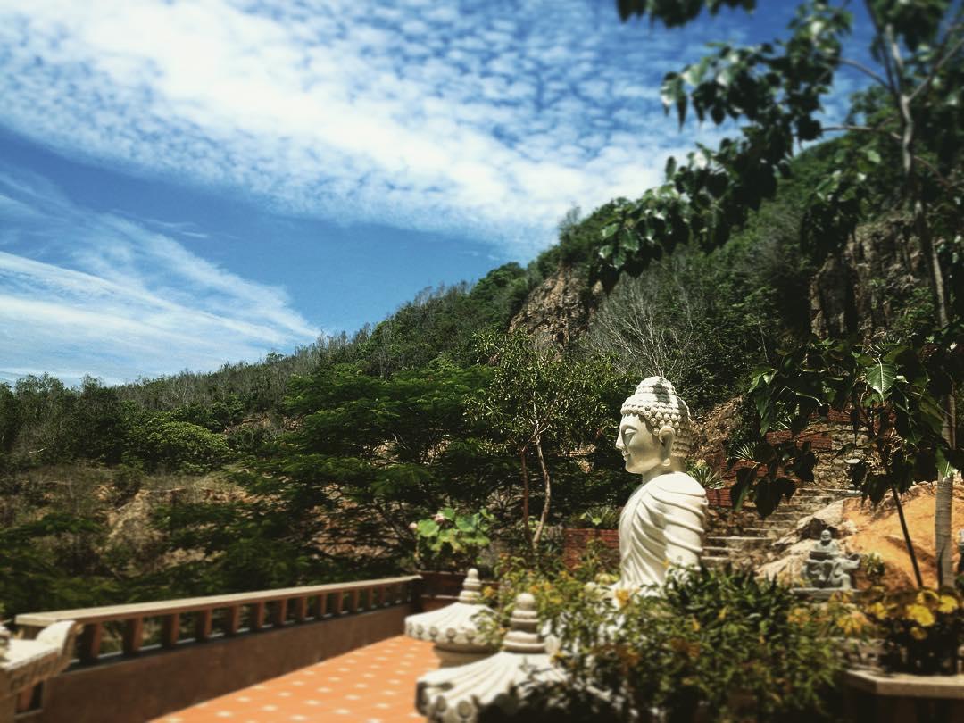 phat-hien-ngoi-chua-tren-doi-view-bien-vung-tau-tuyet-dep-it-nguoi-biet-den-7997 Phát hiện ngôi chùa trên đồi view biển Vũng Tàu tuyệt đẹp ít người biết đến