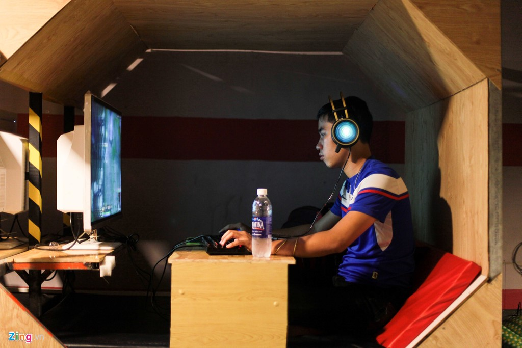 quan-internet-hinh-ken-doc-nhat-sai-gon-lam-xon-xao-gioi-game-thu-7892 Quán Internet hình Kén độc nhất Sài Gòn làm xôn xao giới game thủ