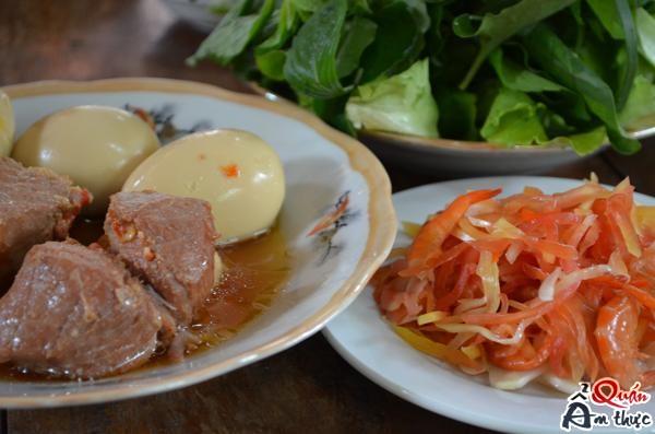 thit-kho-nuoc-dua Cách nấu món Thịt kho nước dừa thơm ngon