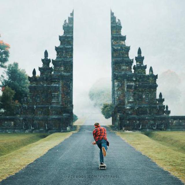dep-chat-ngat-voi-cong-thien-duong-o-khu-den-thieng-ngay-gan-vn-8931 Đẹp chất ngất với cổng thiên đường ở khu đền thiêng ngay gần VN