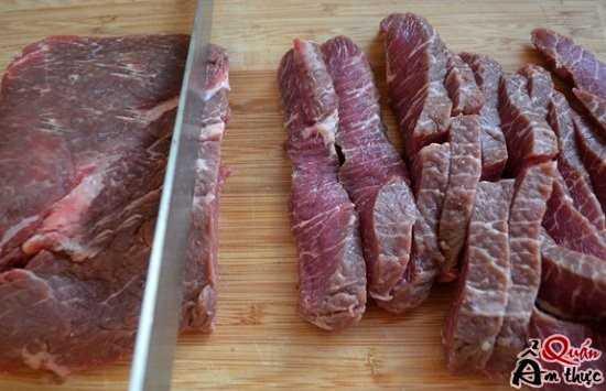 cach-lam-thit-bo-ap-chao-1 Cách làm thịt bò áp chảo ngon đậm đà
