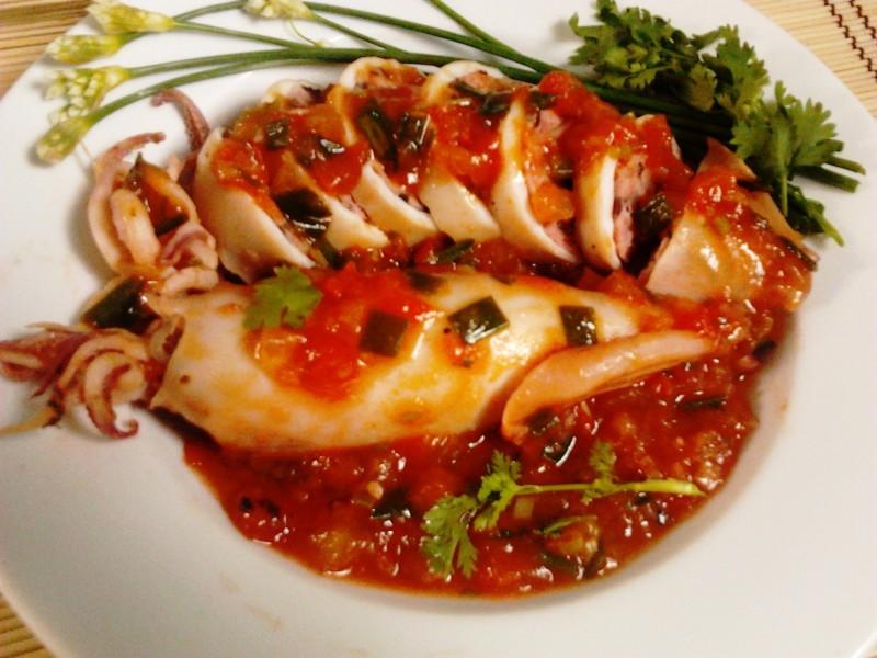 muc-nhoi-thit-xot-ca-chua Cách làm mực ống nhồi thịt sốt cà ngon đậm đà