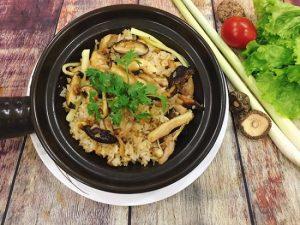 cach-lam-com-ga-tay-cam-300x225 Cách làm cơm gà tay cầm dẻo ngon đậm vị